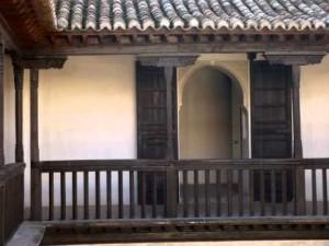 Palaces and courtyards of granada awol granada - Casa horno de oro ...