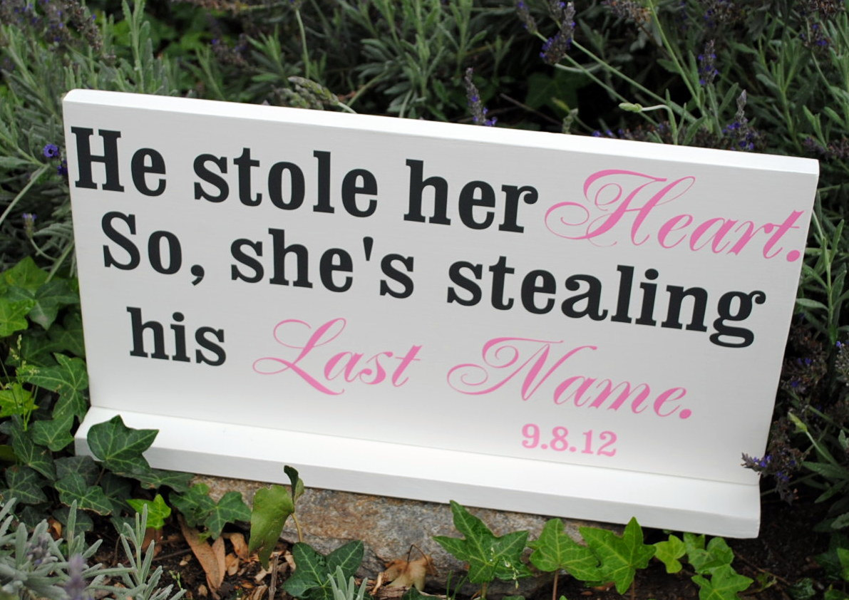 20 Cute And Clever Wedding Signs