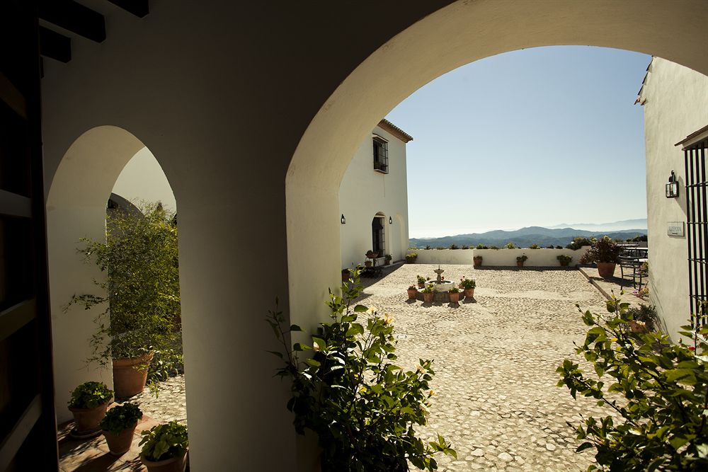 Fuente del Sol Patio with Mountain Views