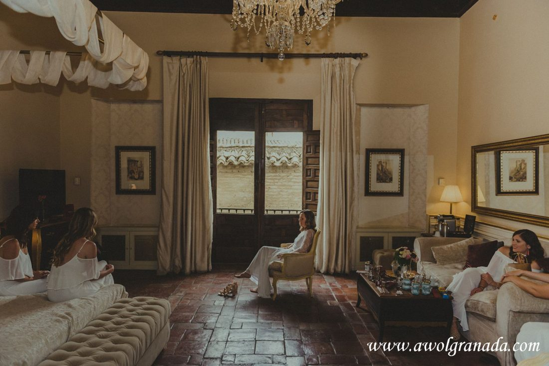 AWOL Granada Wedding Planner Spain Bride and Bridesmaids in the Suite at Hotel Casa 1800