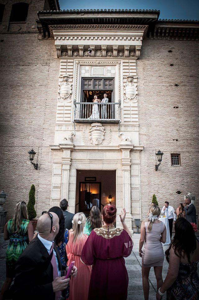 Bride & Groom on the Balcony at the Palacio de los Cordova, Granada.