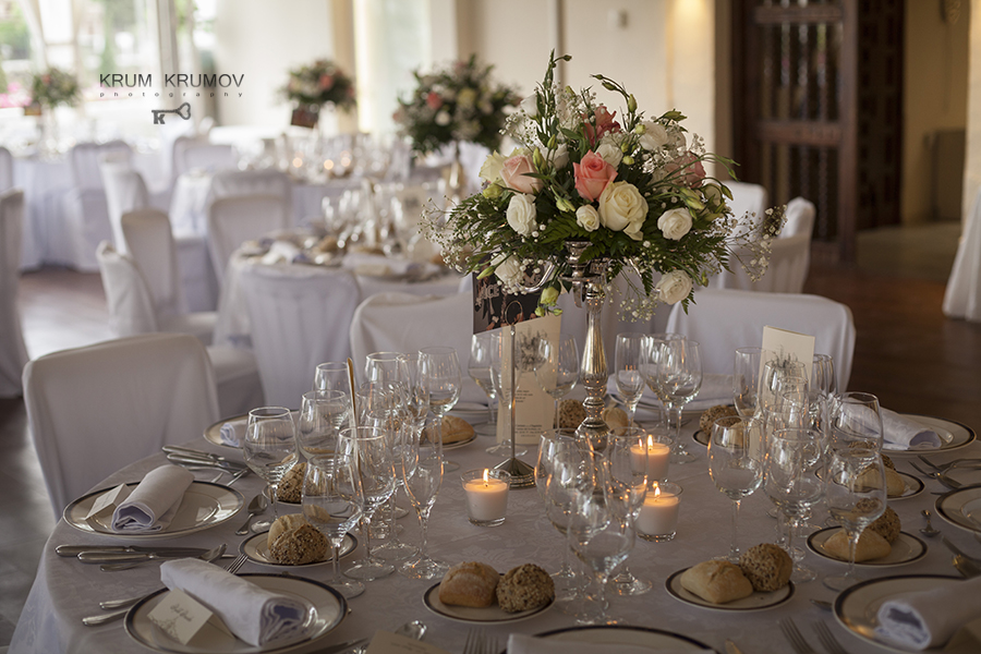 The flower centres in the wedding.