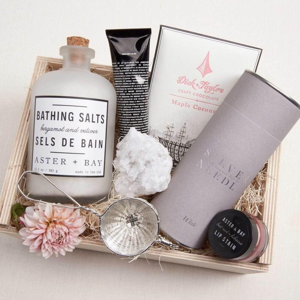 Best Bridesmaids Gift Ideas | AWOL Granada