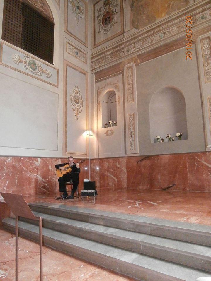 Spanish guitarist Armando. Palacio de Santa Paula Chapel, weddings, Granada, Spain.