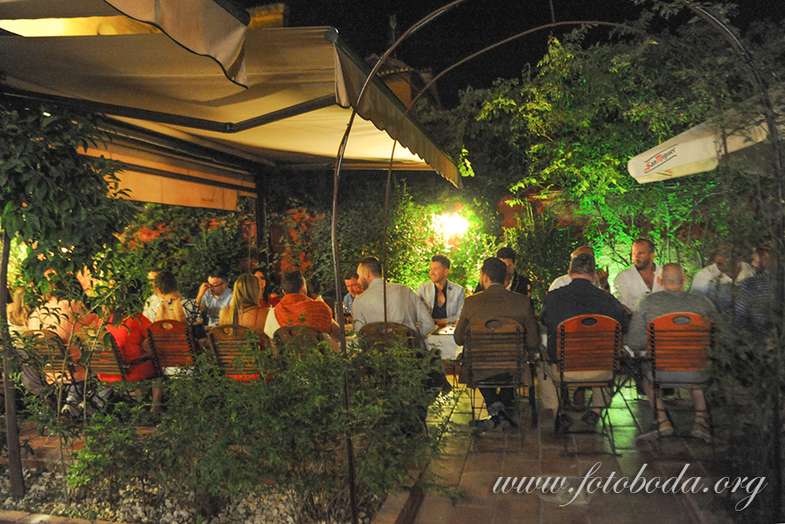 Dinner in the Gardens at Jardines de Zoraya
