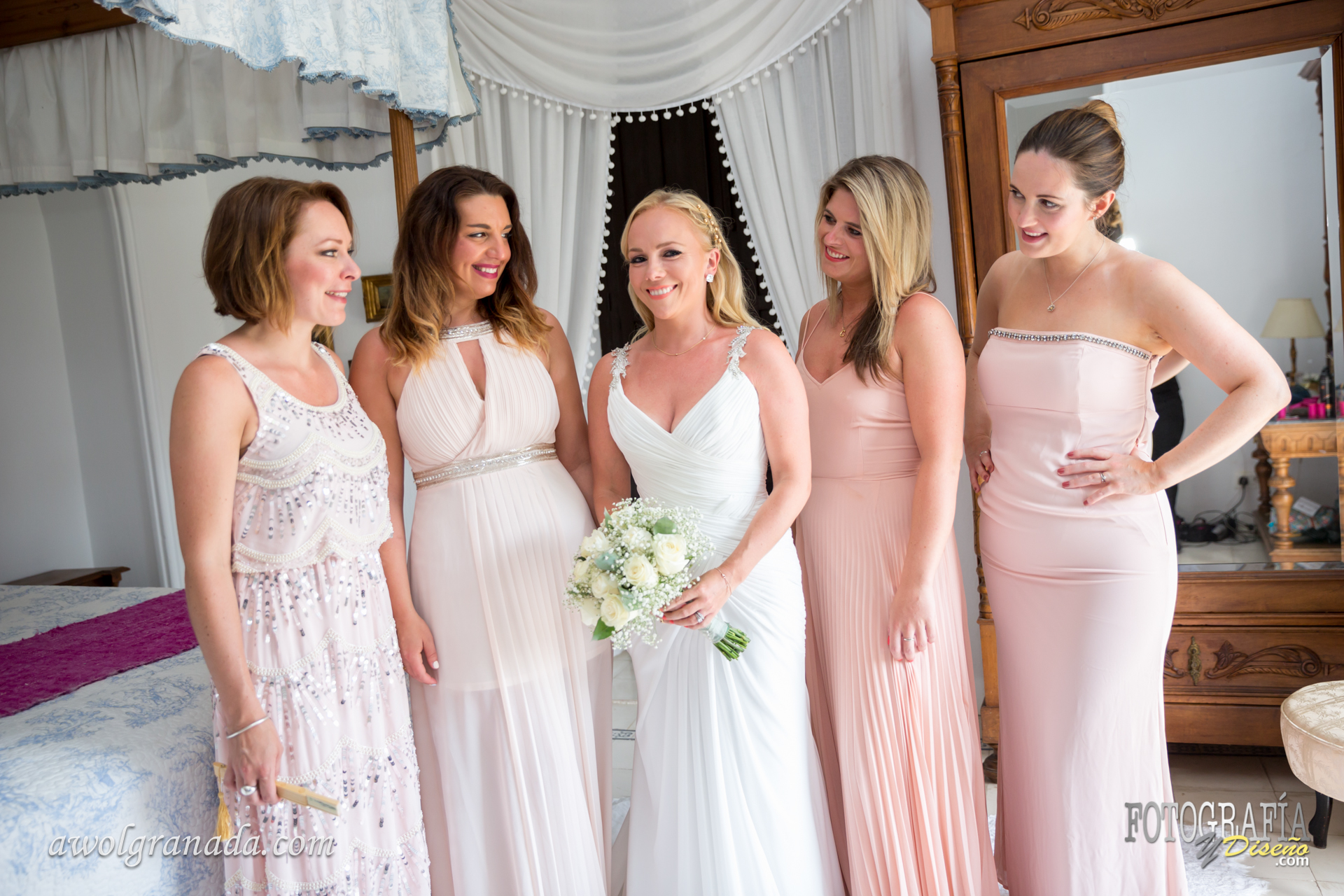 The Bride & bridesmaids all dressed up and ready to go