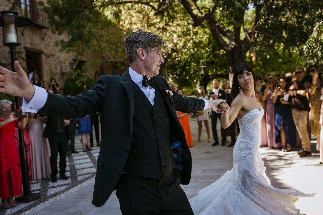 Parador First Dance - AWOL Granada Wedding Planner Spain