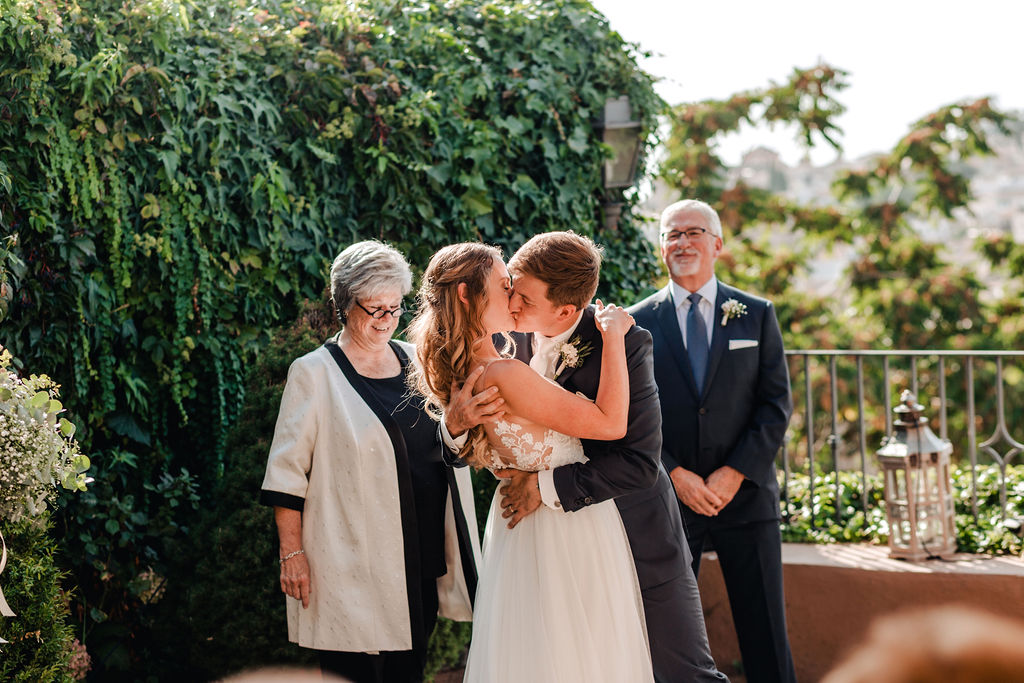 Sealed with a loving kiss - AWOL Granada Wedding Planner Spain