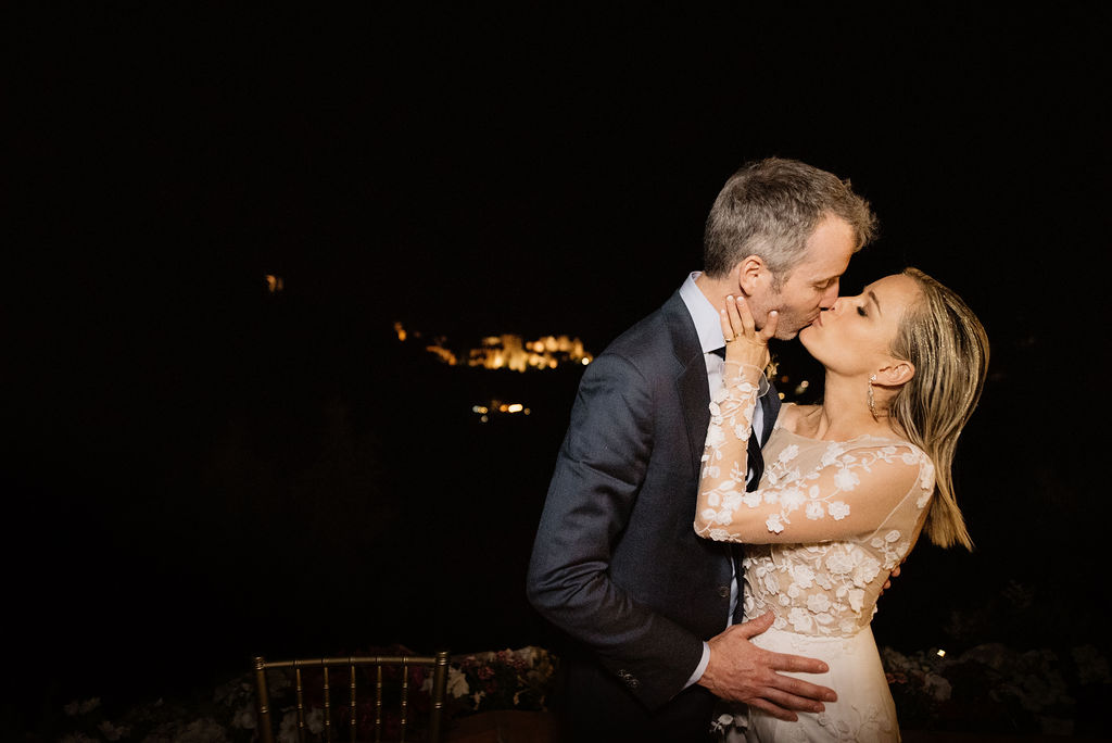 Bride and Groom Kiss in front of the Alhambra - Wedding Planner, AWOL Granada, Spain