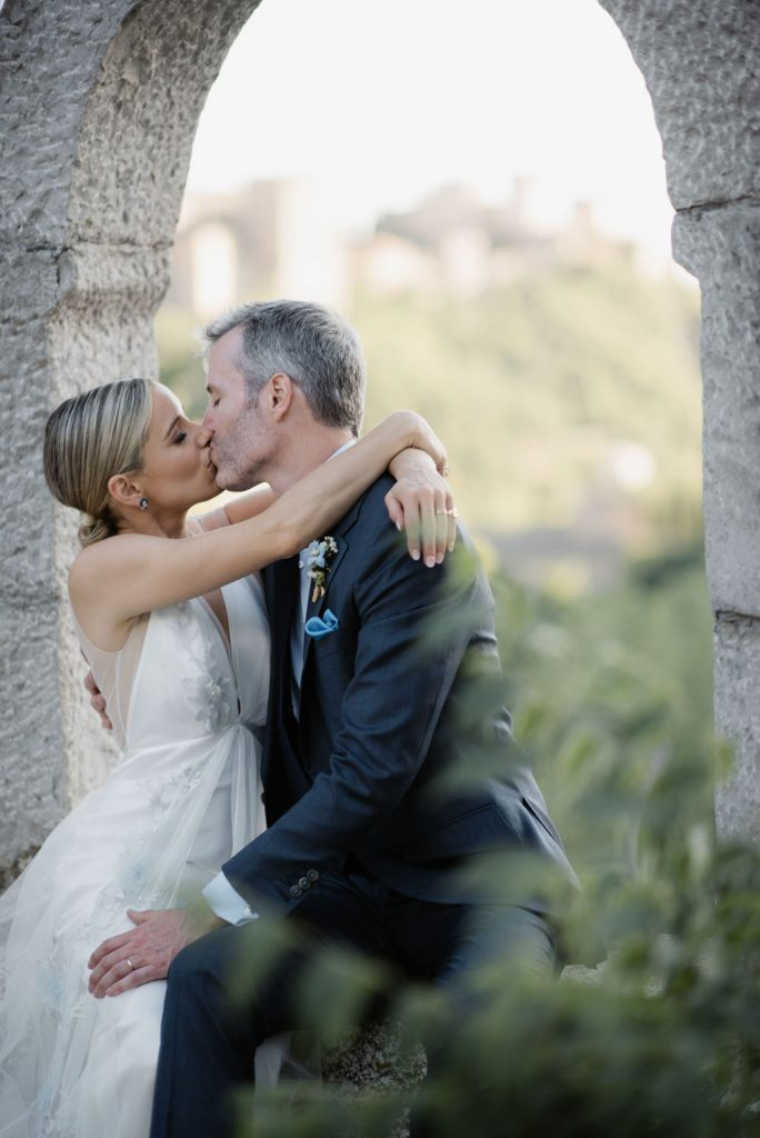 Bride-and-groom-kissing-AWOL-Granada-Wedding-Planner-Spain