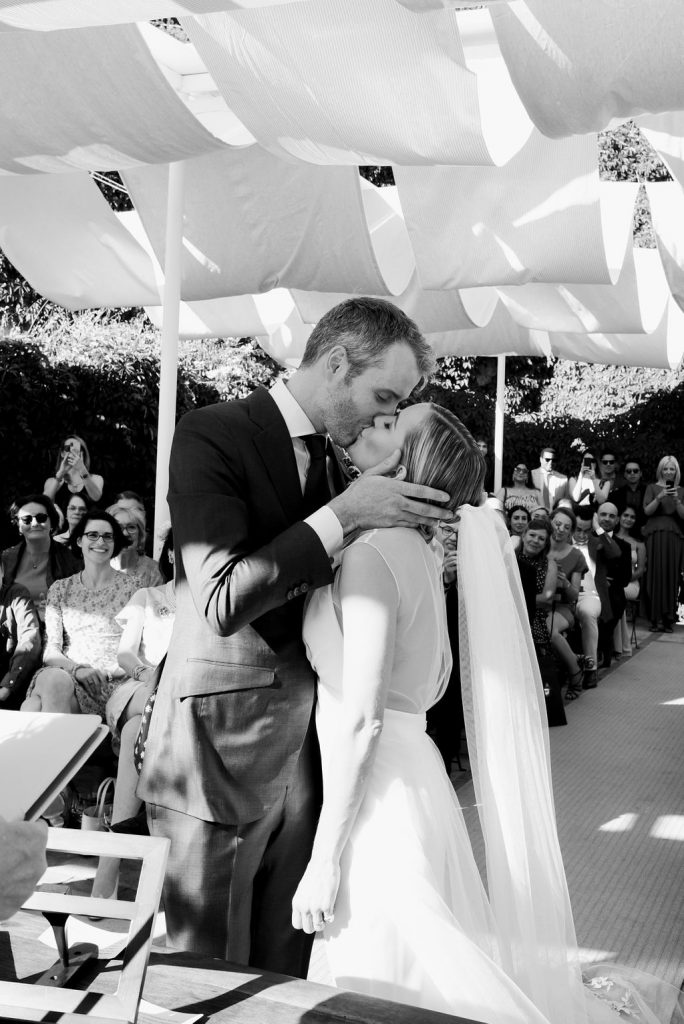 Sealed with a loving kiss - Wedding Planner, Granada, Spain